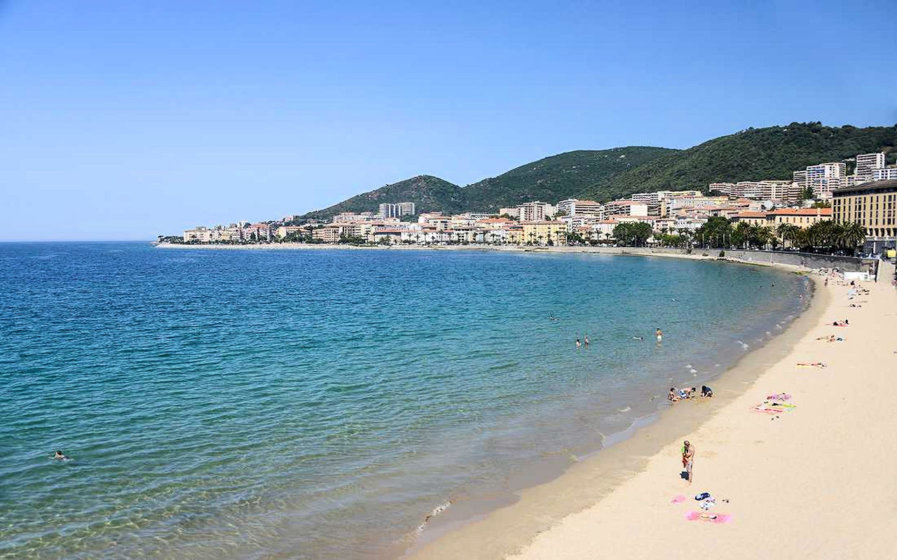 Segla i Korsika